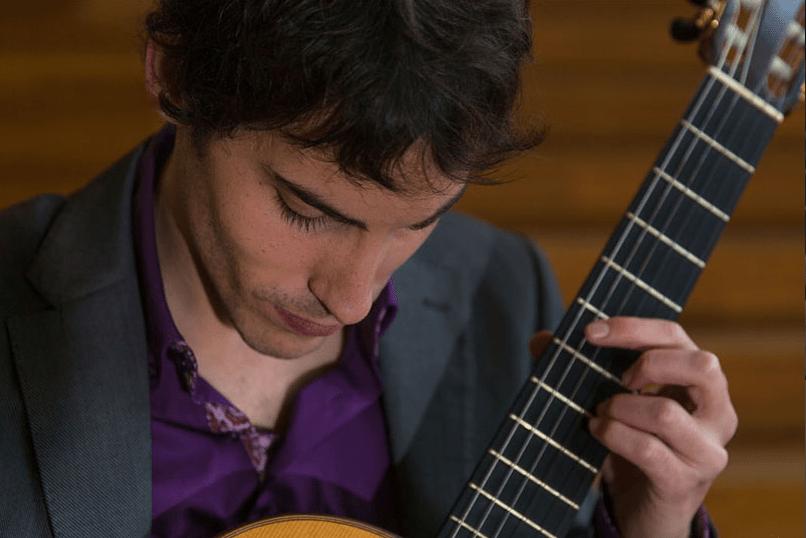 Alejandro Aparicio guitarrista